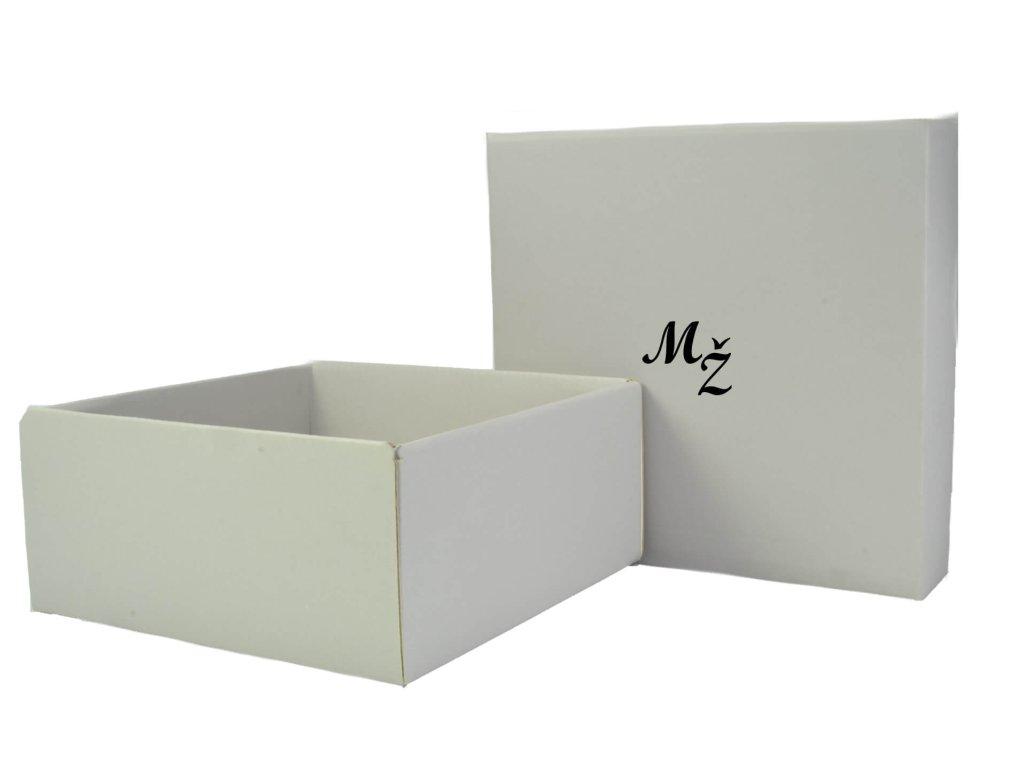 papierová krabička s monogramom